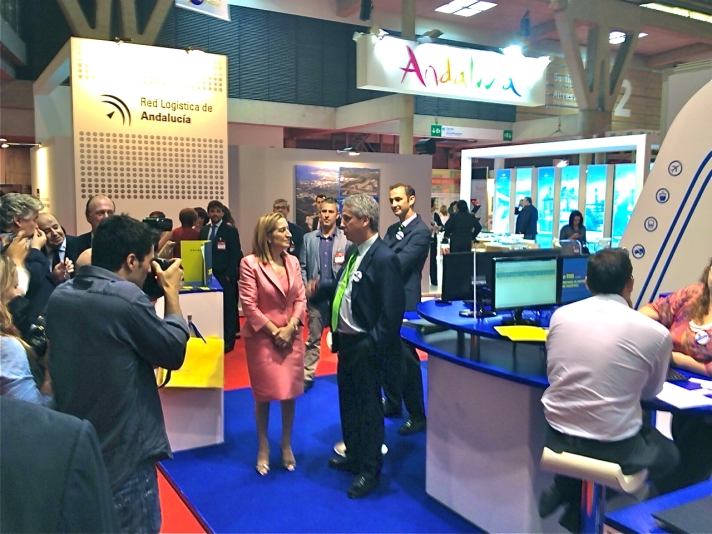 Víctor Vilas conversa con Ministra Fomento Stand AndSoft SIL2012
