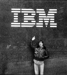 Steve-Jobs-dedico-peineta-IBM_EDIIMA20140716_0116_5