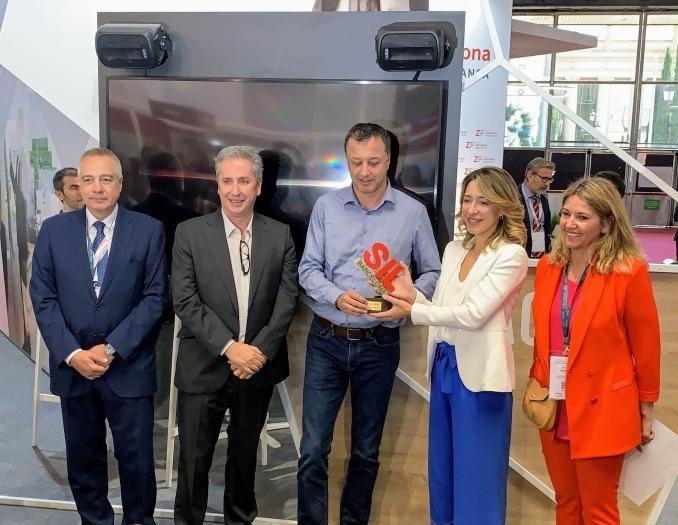 vc3adctor-vilas-recoge-junto-a-stephan-berteil-mejor-premio-innovacic3b3n-sil-2019