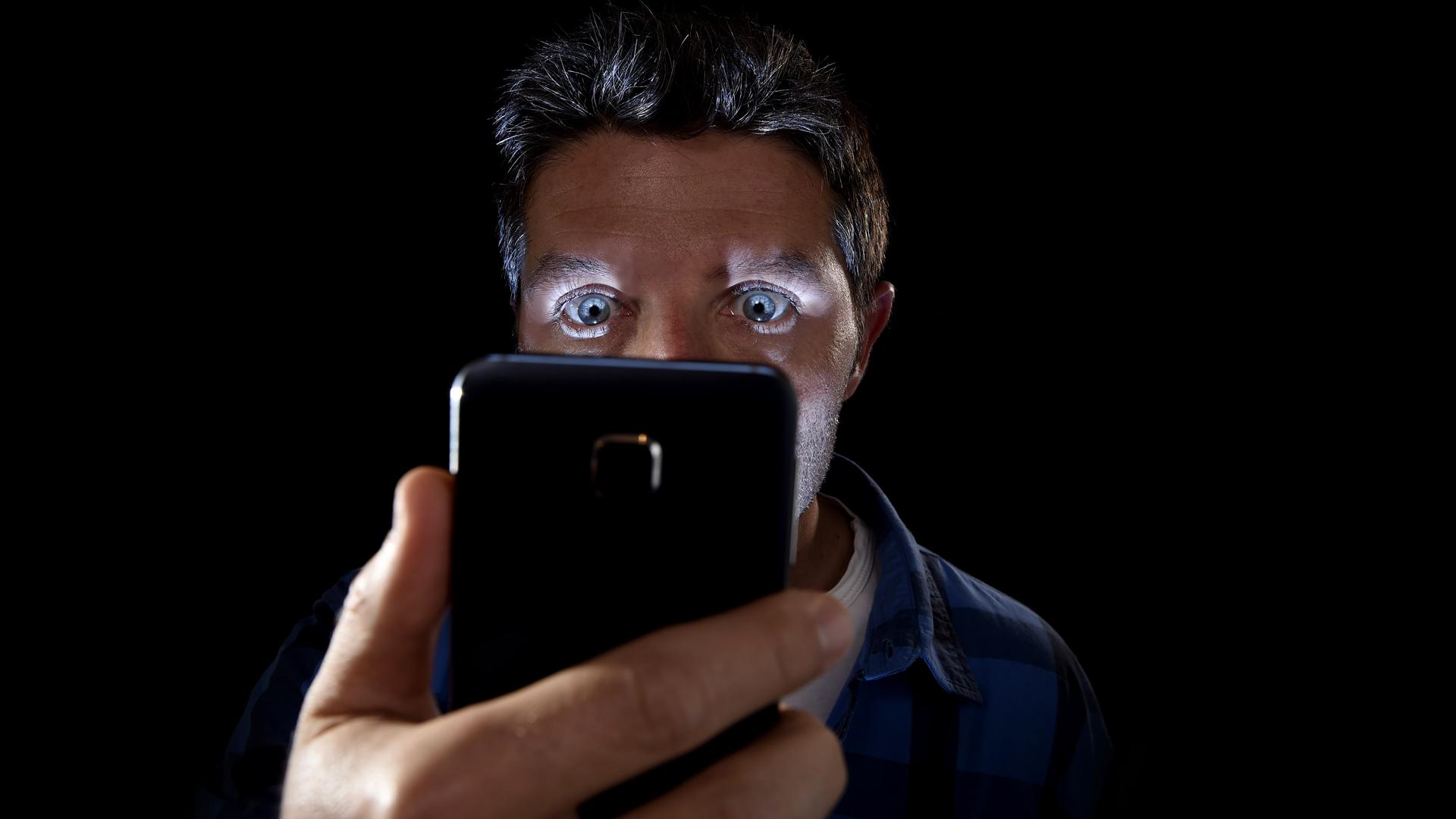Ciberseguridad práctica: ¿Cómo descubrir que te han intervenido el móvil?